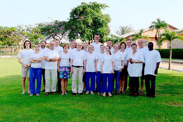 Das Team der APH in Benin